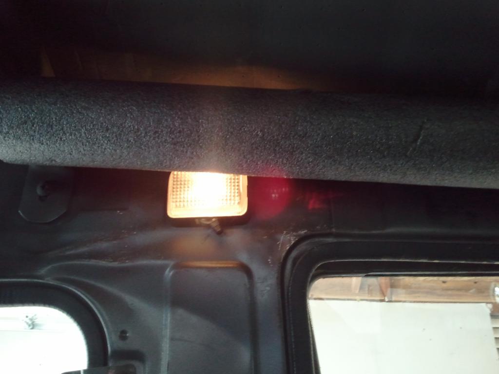 5 minute inexpensive LED dome light conversion-2011-05-21-11.01.14.jpg