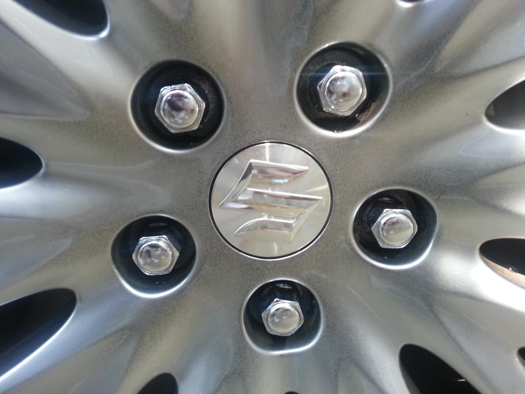 2012 Suzuki Kizashi rim discoloration/fading-20120921_133524.jpg