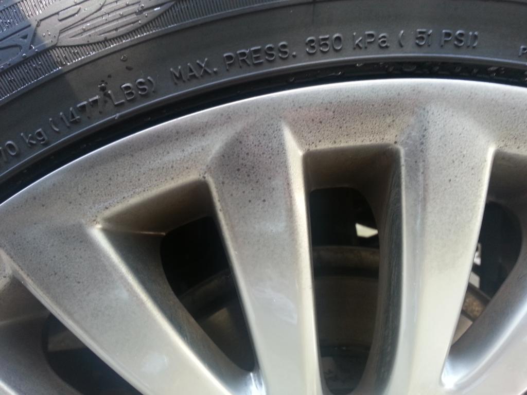 2012 Suzuki Kizashi rim discoloration/fading-20120921_133529.jpg