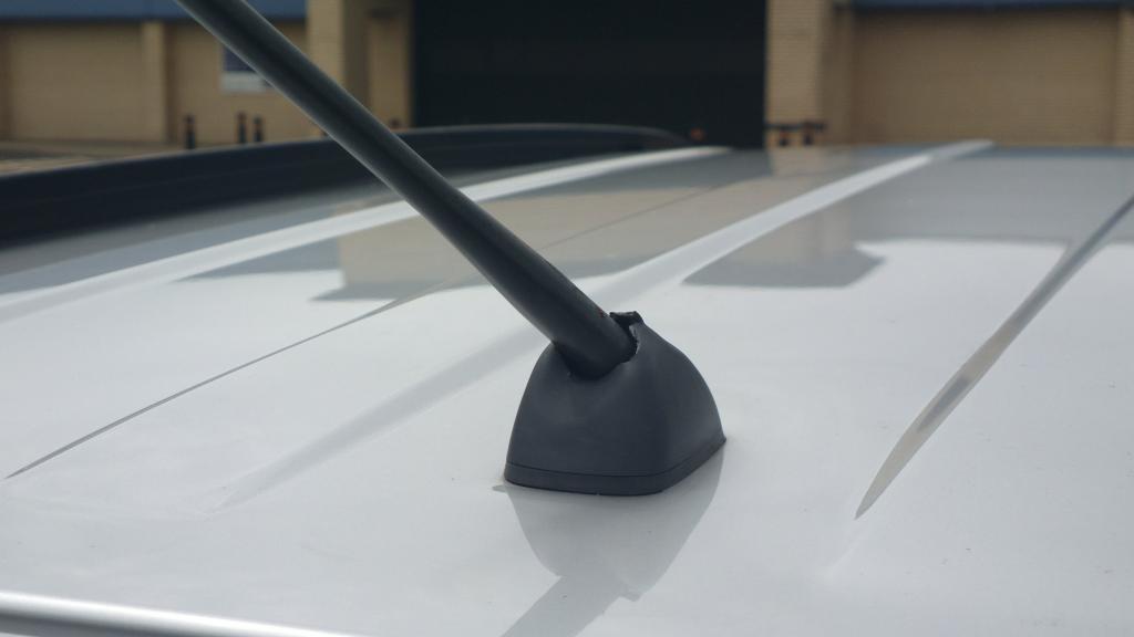 Suzuki Grand Vitara Stereo Removal Installation as well Attachment in addition Suzuki Baleno Stereo Wiring moreover Suzuki Grand Vitara Stereo Wiring as well Frogum. on suzuki grand vitara antenna