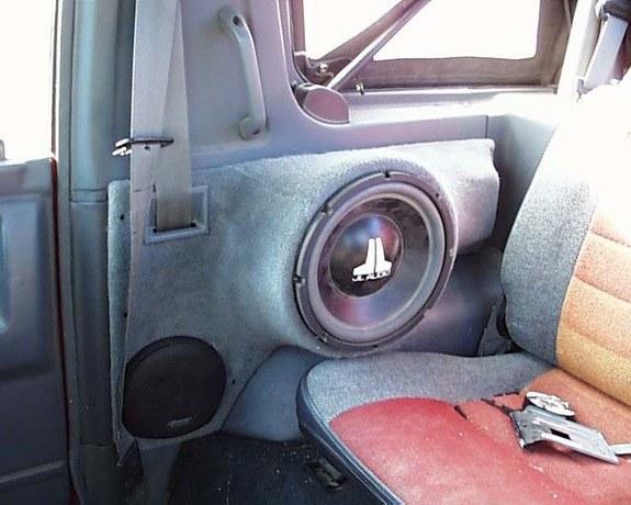 Car Audio S Subwoofer In Tailgate Pics W Interior