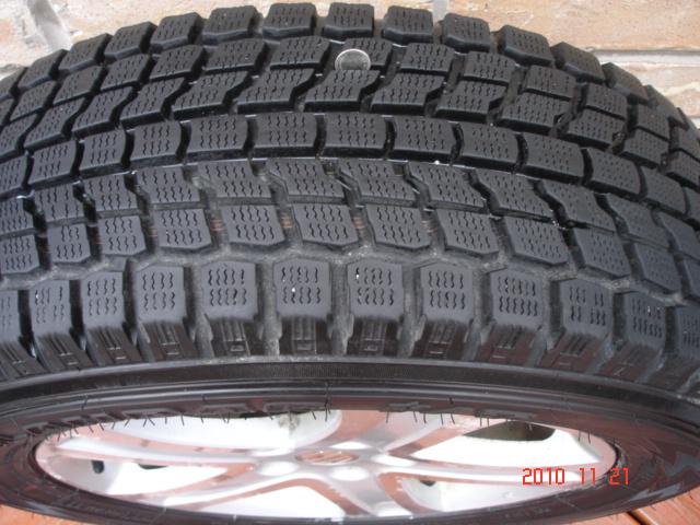 Set of 4 Yokohama Geolandar I/T G072 Winter Tires On Grand Vitara OEM Alloy Rims-dsc06832.jpg