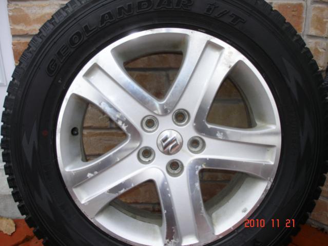 Set of 4 Yokohama Geolandar I/T G072 Winter Tires On Grand Vitara OEM Alloy Rims-dsc06835.jpg
