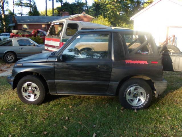 Parting Out 92 Geo Tracker 2dr  2wd 5speed Convert