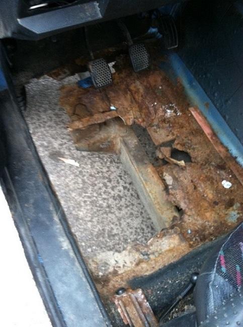 Clutch pedal hitting floor and getting stuck - Suzuki Forums: Suzuki