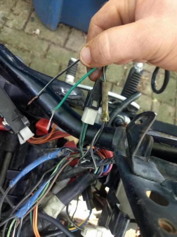 1988 Suzuki GSX600F wiring question.-img_20190723_152453821_1563913847502.jpg
