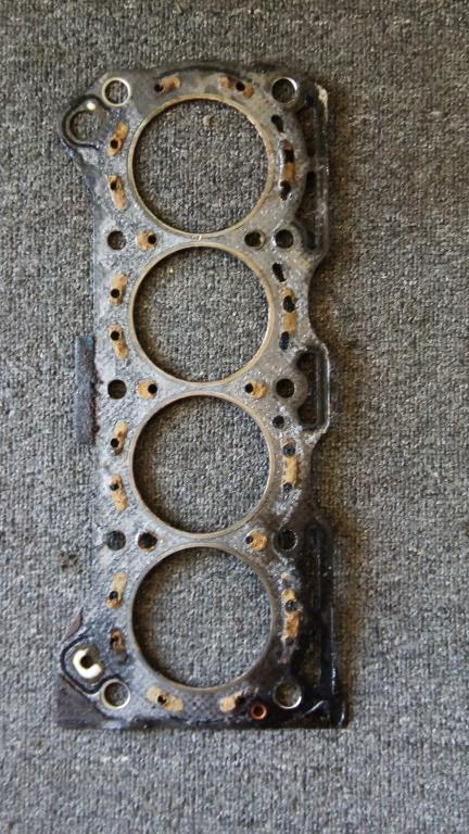 Coolant in oil, but the cylinder head is flat? Could it just have bin this gasket?-img_20190909_102759.jpg