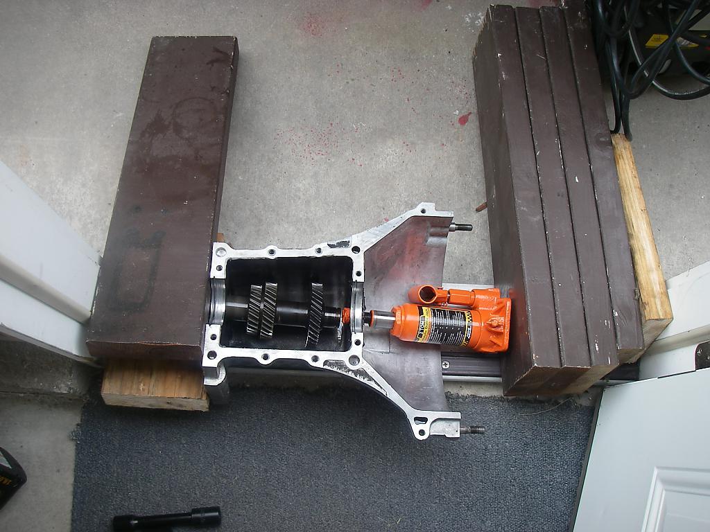Hydraulic press? I don't need no stink'n hydraulic press!-imgp5595.jpg