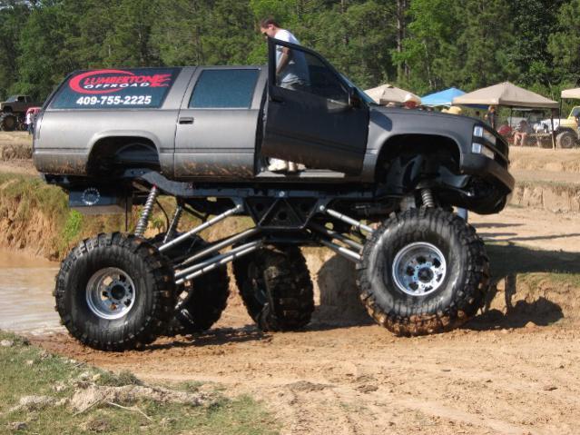 MUD BOG Carnage-mud-bog-61111-004-640x480-.jpg