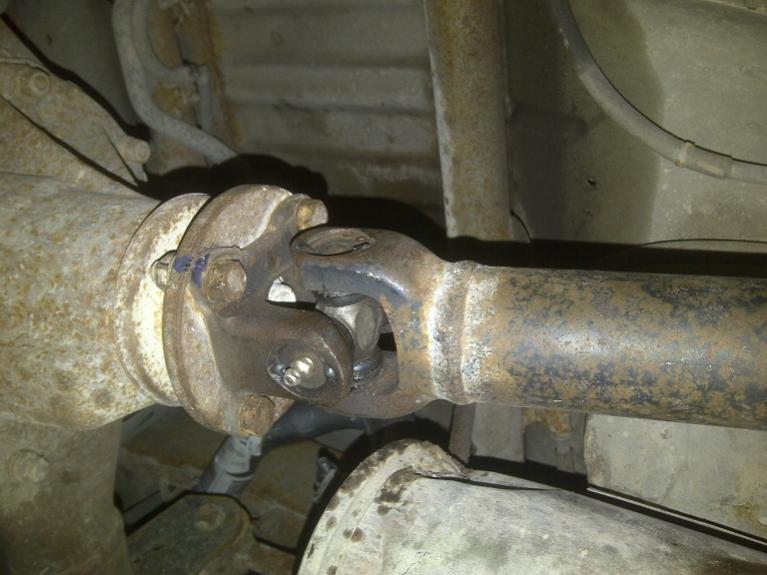 Grinding / Bad Bearing...-rear-end-1.jpg